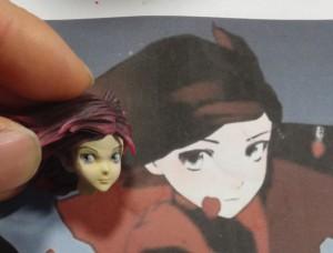 リペイント後の顔とアニメのプリントを並べたところ